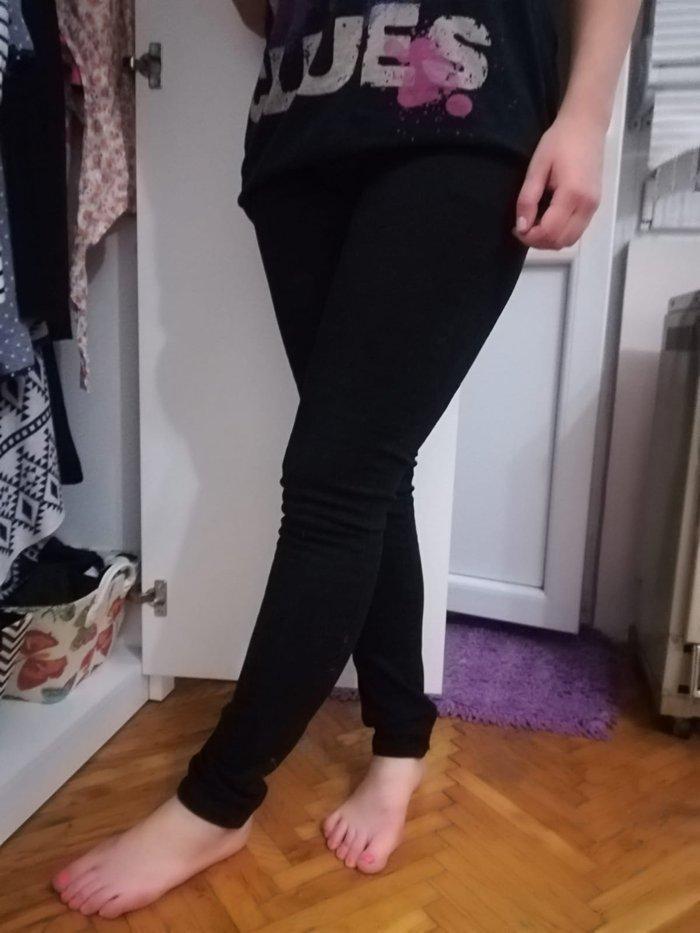 Crne pantalone, veličina 29