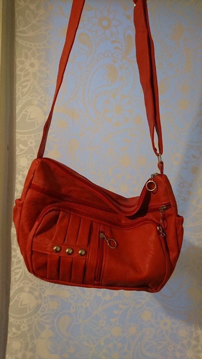 Τσάντα σε άριστη κατάσταση σε Σαλαμίνα