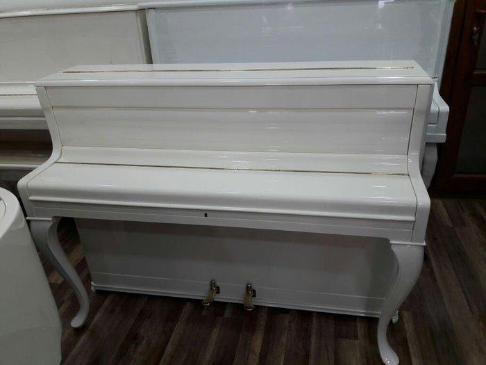 Gəncə şəhərində Weinbasch fortepiano satilir təzə ideal.catdirilma ilə.Almaniya