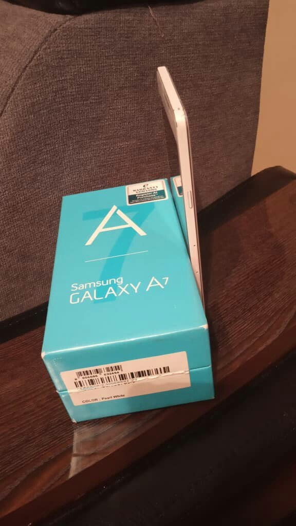 Samsung A7. Photo 4