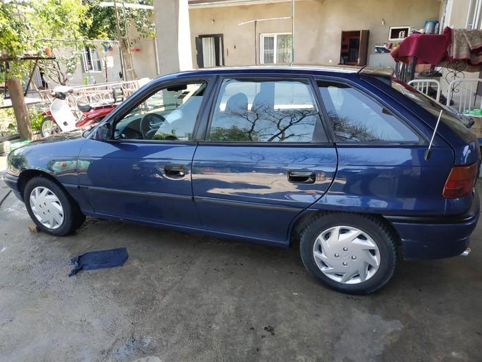 Opel . Photo 2