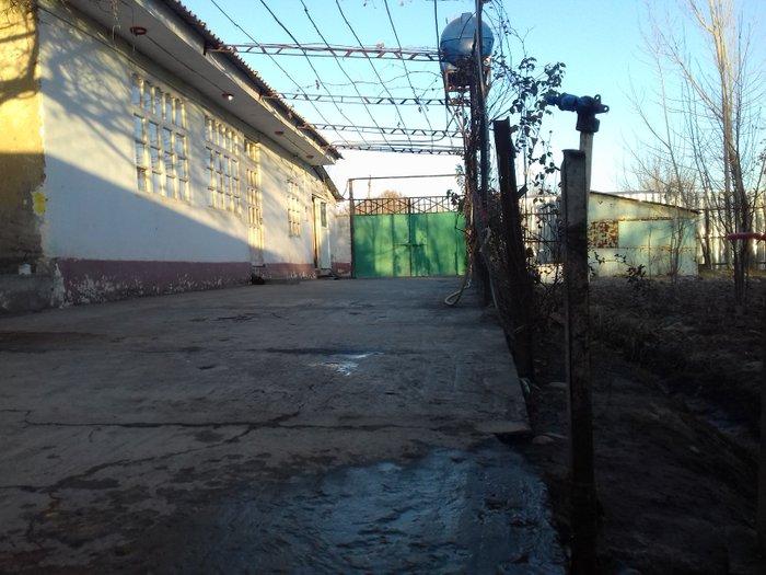 Хонаи Фуруши дар н.Рудаки, чамоати дехоти Чортеппа, дехаи Шайнаки в Душанбе