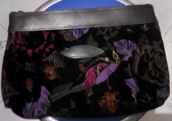 Τσάντες και πορτοφόλια αχρησιμοποίητα. Η τιμή για ένα τεμάχιο.. Photo 5