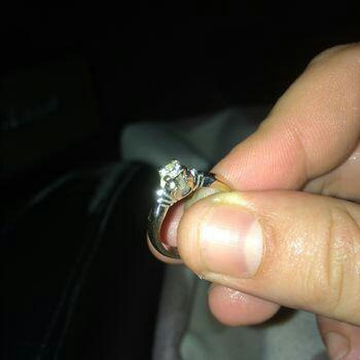 Χρυσο μονοπετρο δαχτυλιδι. Photo 0