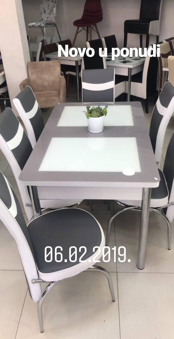 Sto i 6 stolica u kompletu
