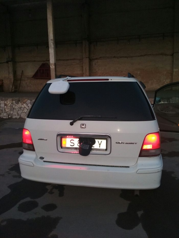 Honda Odyssey 1998. Photo 0