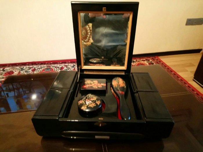 Qedimi wkatulka antekvar. Photo 4