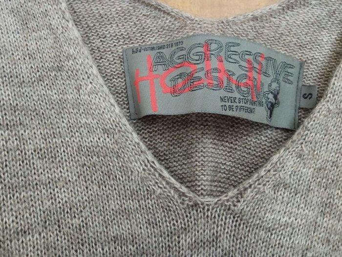 Πλεκτή ριχτη μπλούζα aggressive design size small.. Photo 0