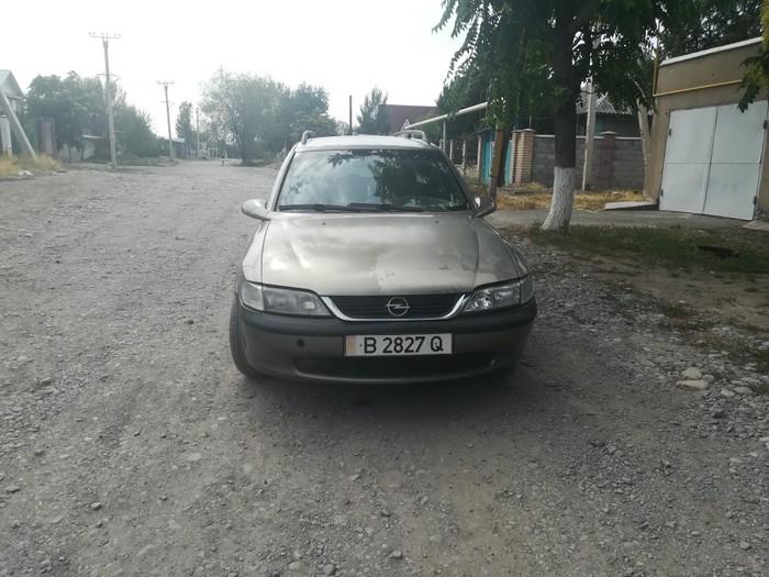 Opel Vectra 1997. Photo 2