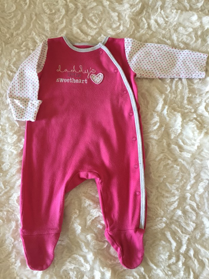 3 babygrows. 0-3 months. Excellent condition.. Photo 2