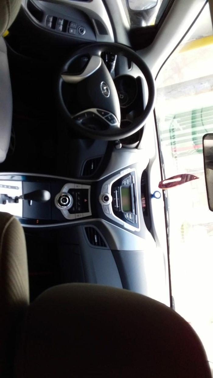 Hyundai Elantra 2011. Photo 1