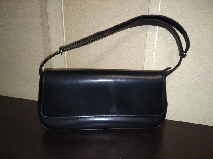 4da21e6a0a81 Женская сумка/клач б/у 200 сом. состояние хорошее за 200 KGS в ...