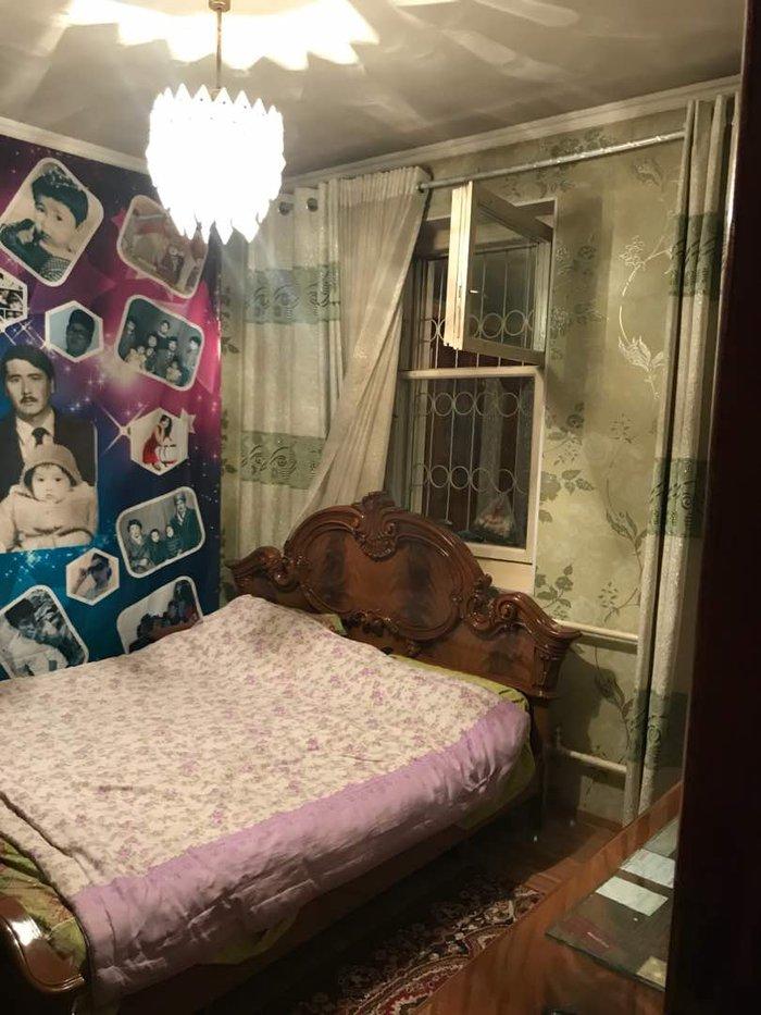 Продаю дом в мкр Достук дом 76/28-комнат3-этажный дом,на всех in Бишкек