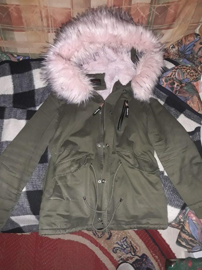 Prelepa jakna sa velikim krznom L velicine.. Photo 0