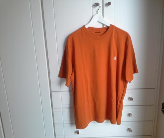 Aνδρικη μπλουζα timberland χρωματος πορτοκαλι και μεγεθους L-XL.. Photo 0