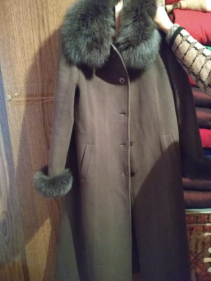 Лама пальто отдам дешево. Состояние хорошее. бу. в Бишкек