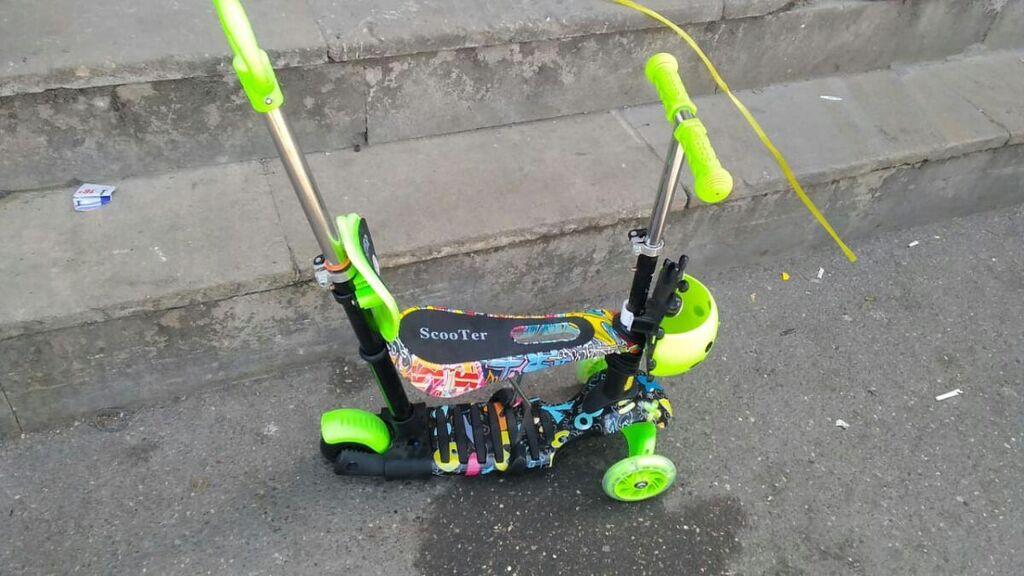 Scooter samakat hər rengi var sadəcə 55 manat metrolara dastavka var