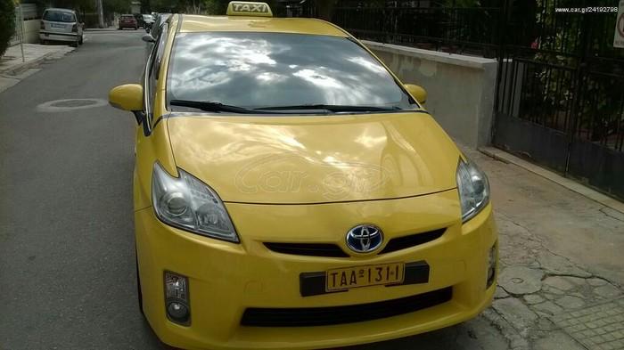 Toyota Prius 2011. Photo 1