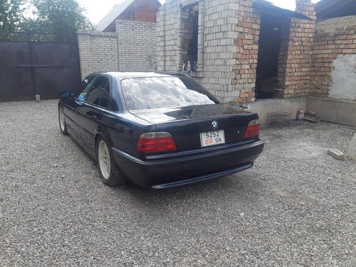 BMW 740 2000. Photo 2