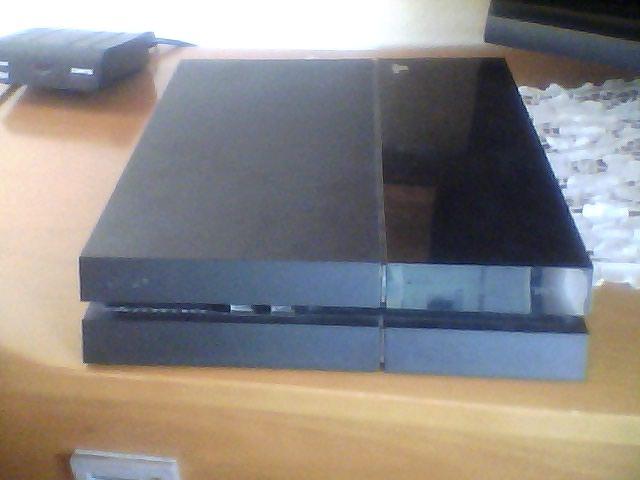 ΠΩΛΕΊΤΕ PS4 500 gb σε άριστη κατάσταση. Photo 0