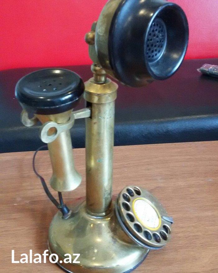 Bakı şəhərində Qedimi 1950-ci illerin ingilis telefonu.