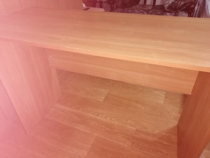 Продам письменный стол в отличном состоянии.. Photo 3
