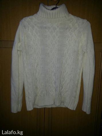 Теплый свитер одет пару раз в хорошем состоянии разм. 46-48 в Бишкек