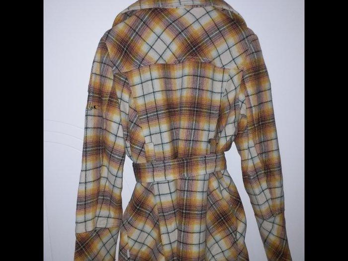 O'neil zimski kaput od vune , u odlicno ocuvanom stanju , malo je nose - Beograd