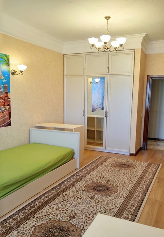 Сдается квартира: 4 комнаты, 159 кв. м., Бишкек. Photo 3