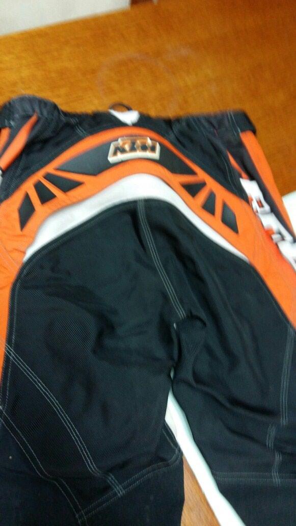 KTM RACING pantalone za motor 32 neoštećene nošene. Photo 1