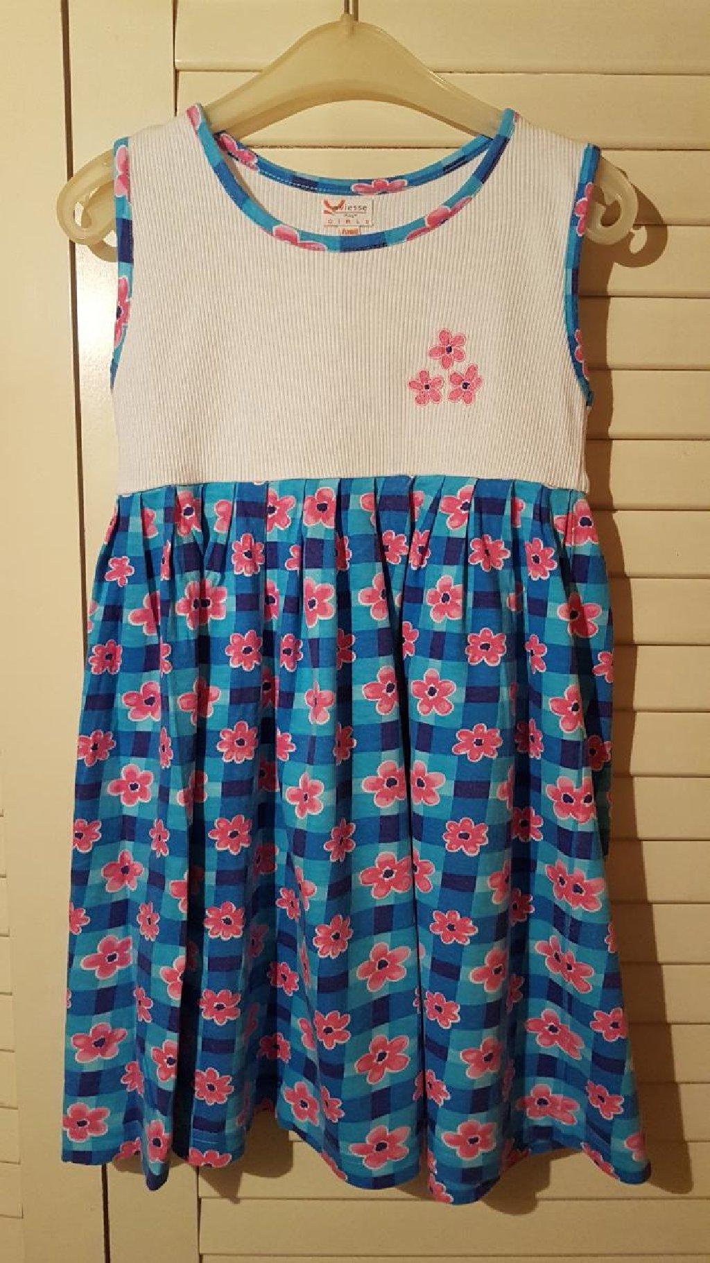 NOVA. prelepa haljina za 2-3 god,kupljena u Nemackoj