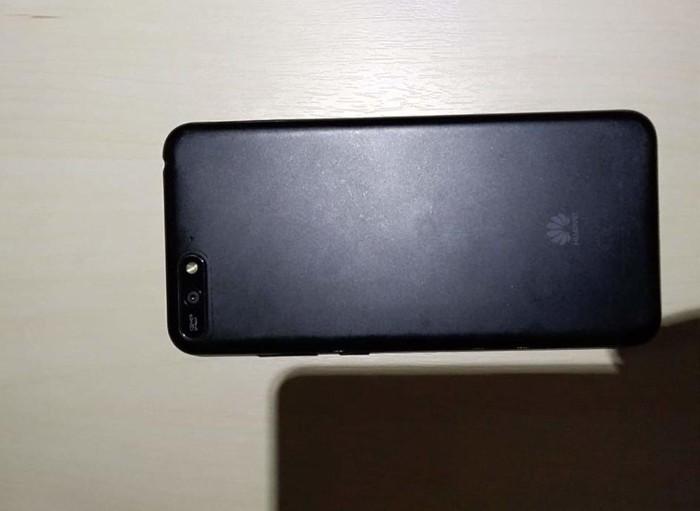 Huawei Y6 2018. Photo 2