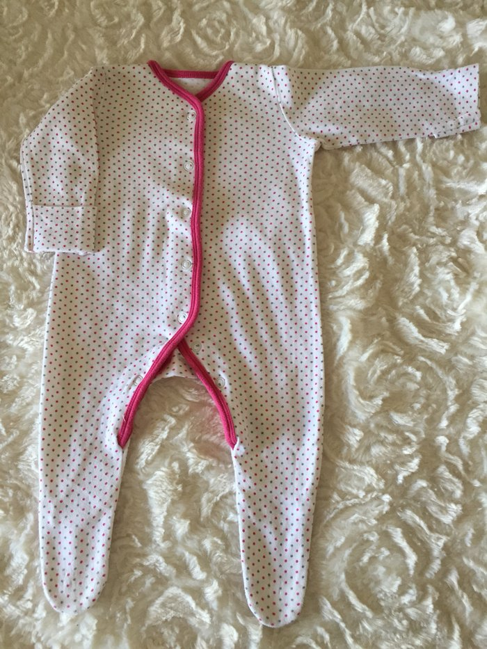 3 babygrows. 0-3 months. Excellent condition.. Photo 3