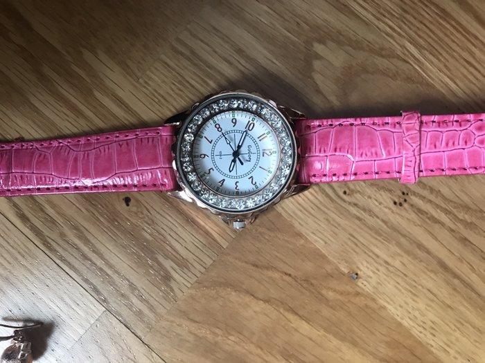 Часы стильные'!!!. Photo 0