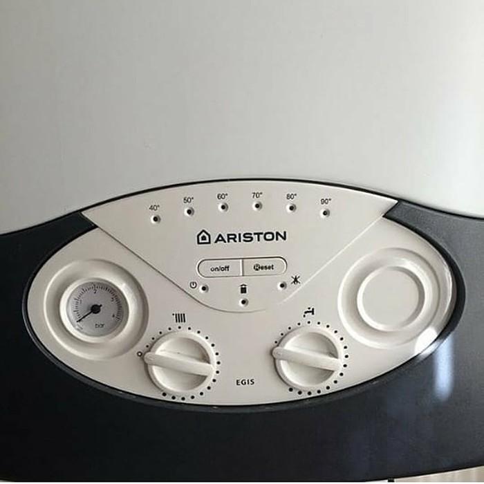 Ariston kombi.Italya istehsali 24 kw 2 esenjor.1 il resmi zemanetle.. Photo 0