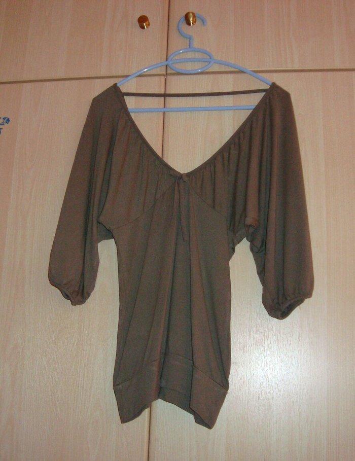 Μπλούζα λαδί με μανίκια νυχτερίδα, S/M, είναι ελαστική, έχει φορεθεί ελάχιστα, άριστη κατάσταση