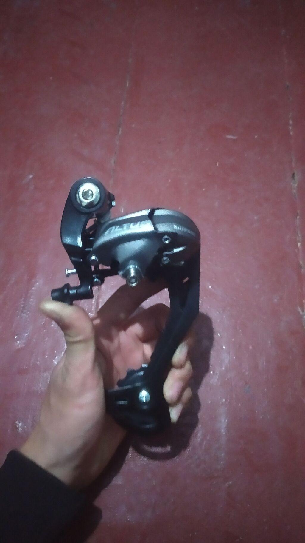 Продаю задний Переключатель Shimano Altus RD-M370 SGS  Характеристики: Продаю задний Переключатель Shimano Altus RD-M370 SGS  Характеристики: