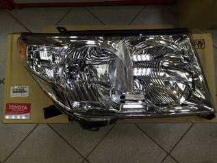 Фары на Toyota Land Cruiser 200 (2007-2012), новые, оригинал, левая (81170-60D03), правая (81170-60D33), цена указана за пару