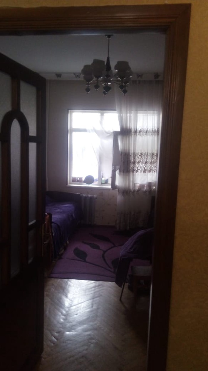 Mənzil satılır: 4 otaqlı, 100 kv. m., Bakı. Photo 4