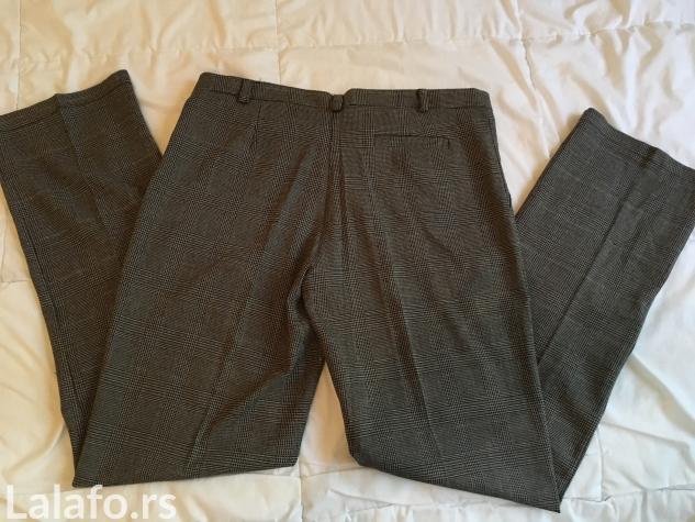 Pantalone su jednom obucene, kao nove. Velicina XL