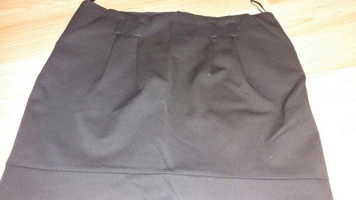 Lepa crna kraca suknja sa dzepovima broj 42 - Indija