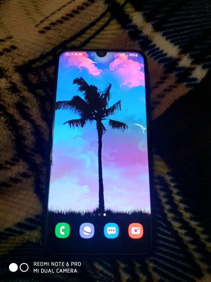 Б/у Samsung A40 64 ГБ Черный. Photo 1