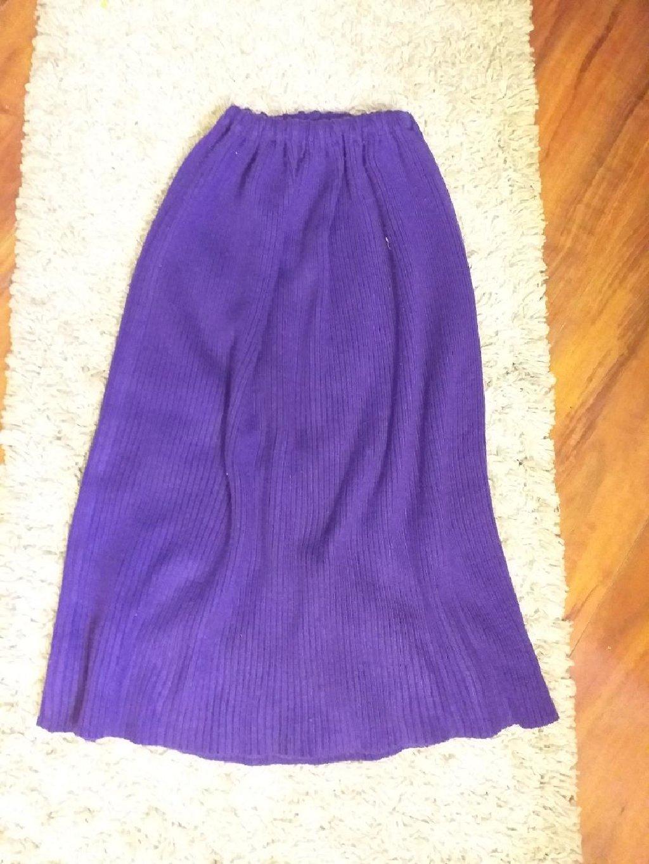Suknja ( rastegljiva lastis na pojasu duzina 68