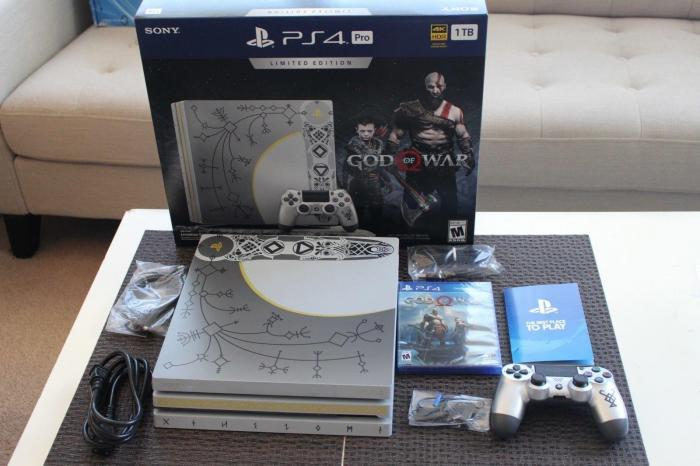 PS4 pro Limited Edition 1TB free games and 2 controller. Photo 0