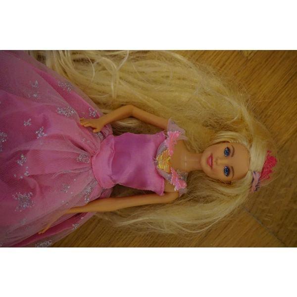 Barbie κουκλα οπως φαινεται στη φωτο . Photo 1