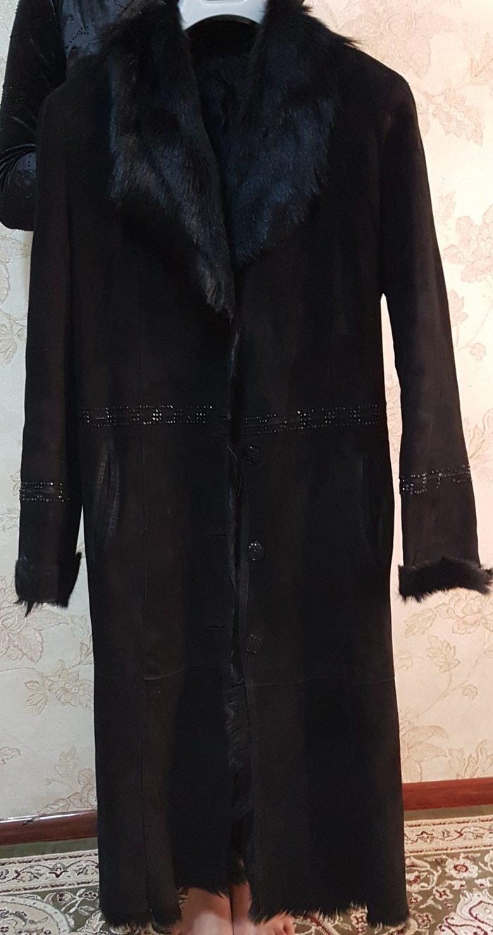 Женская чёрная дублёнка купила за 600$продам за 3300сомон  в Душанбе