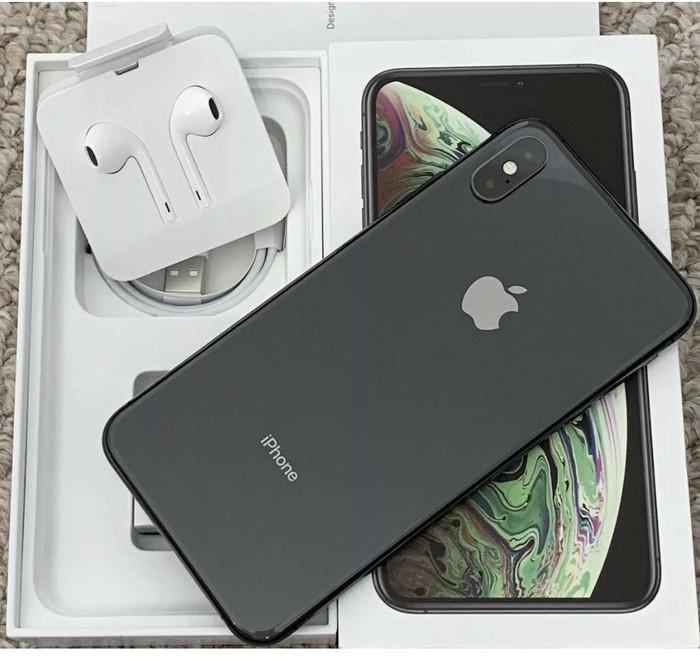 IPhone XS 64GB America. Photo 3