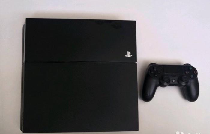 PS4 (Sony Playstation 4). Photo 0
