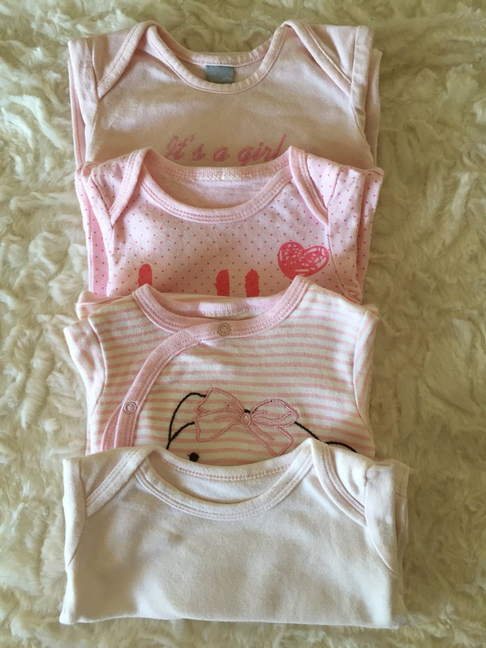 Selection of vests. 0-3 months. Very good condition. . Photo 0