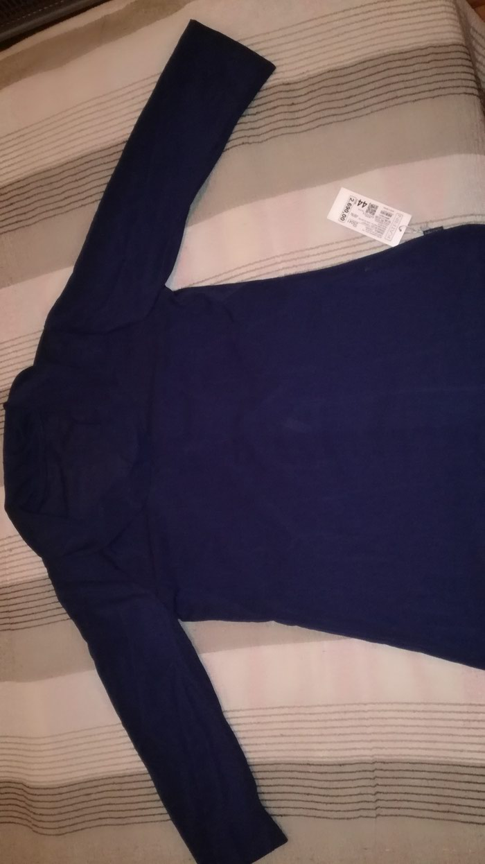 NOVA teget elegantna bluza Katrin.Broj 44,mada realno 40/42